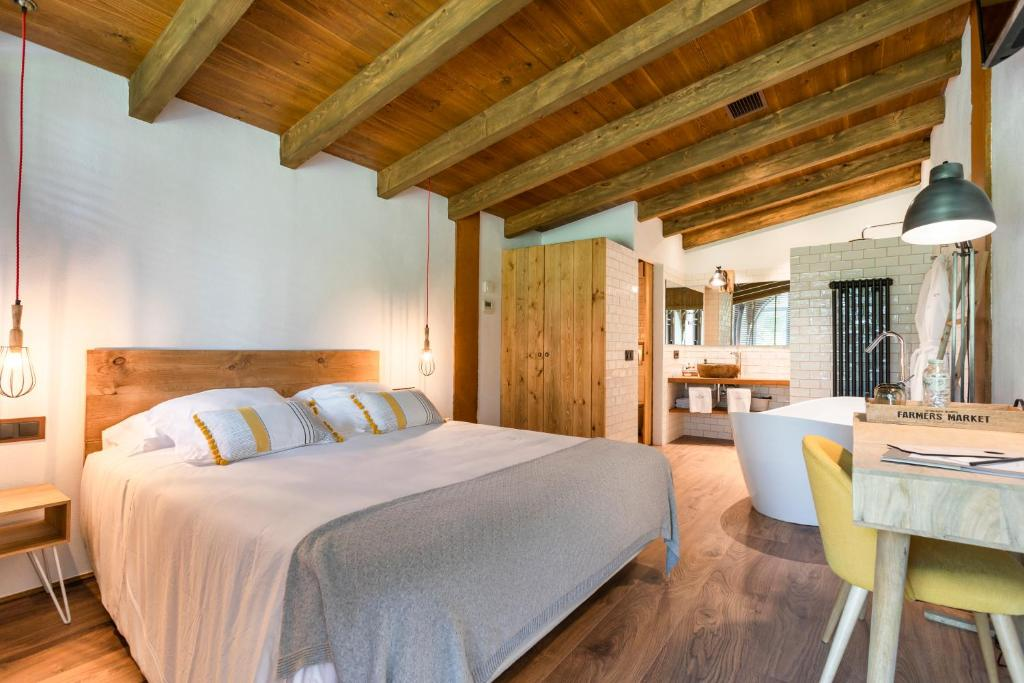 hotels with  charm in la vall de bianya  9