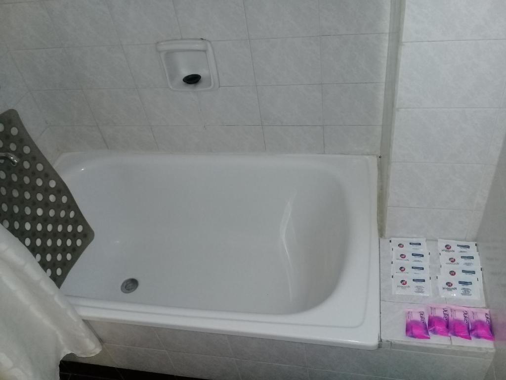 A bathroom at Apart Hotel Marilian