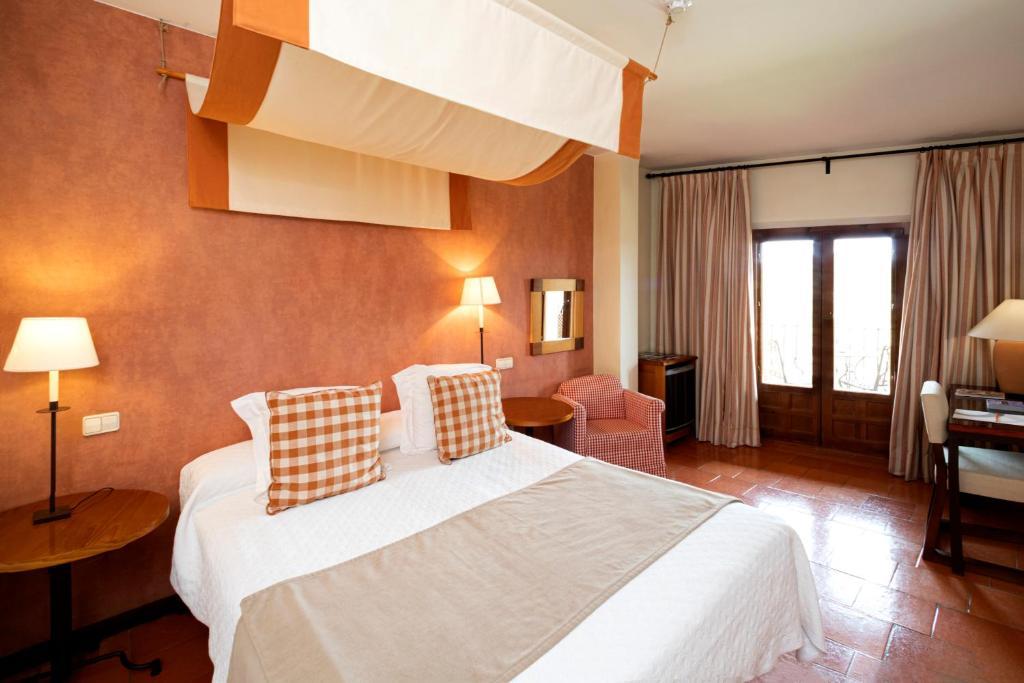 hoteles con encanto en segovia  37
