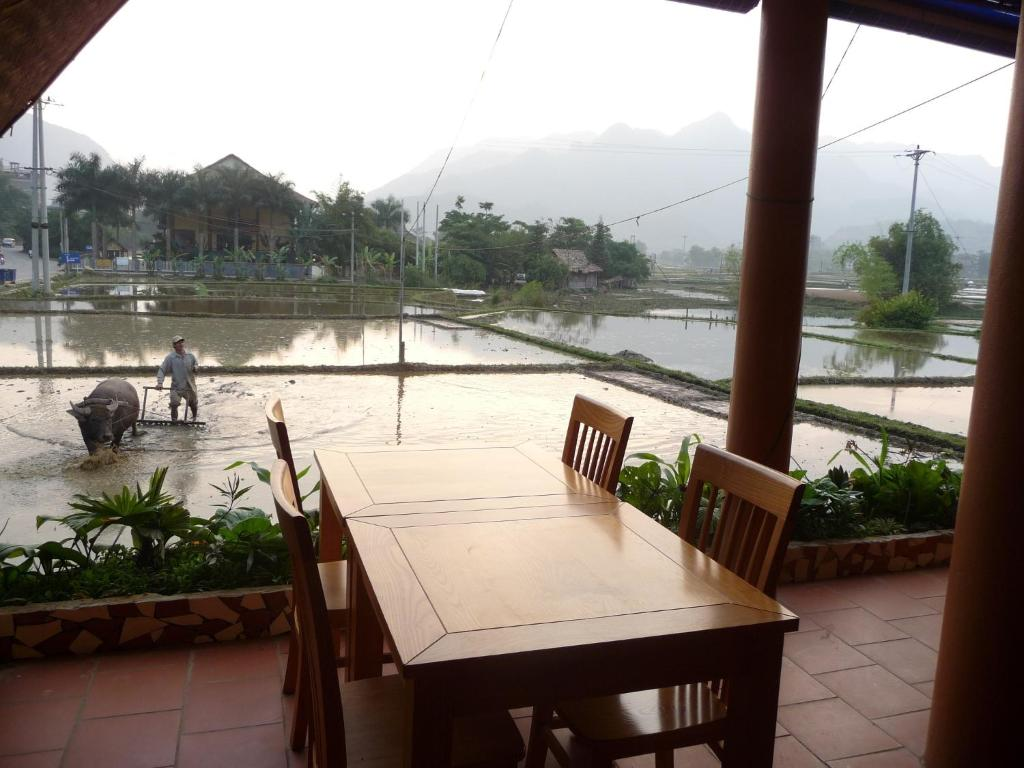 Mai Chau Valley View Hotel