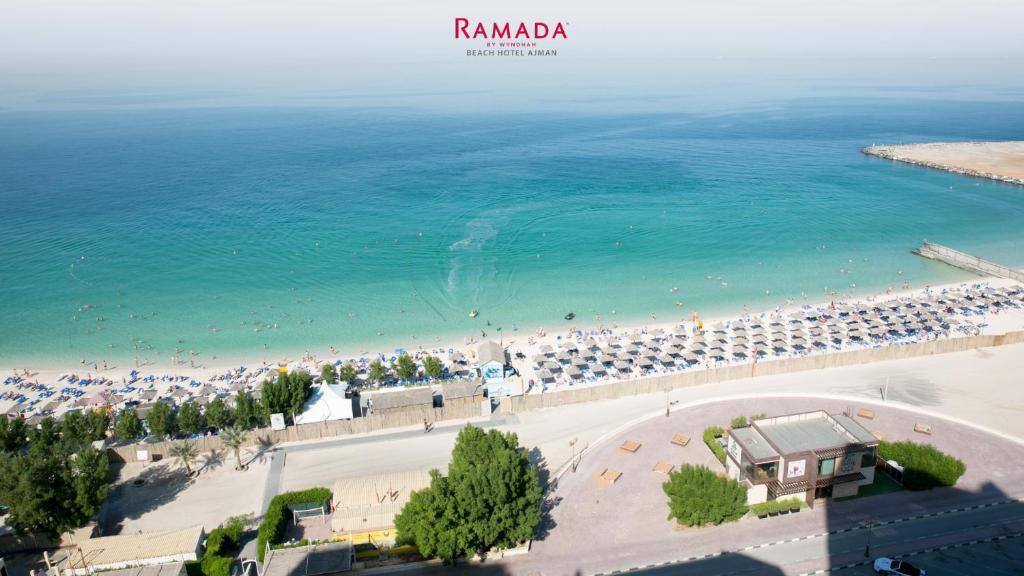 Ramada by Wyndham Beach Hotel Ajman с высоты птичьего полета