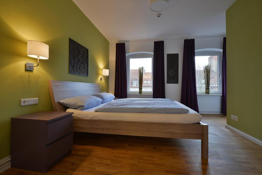 A bed or beds in a room at Townside Hostel Bremen