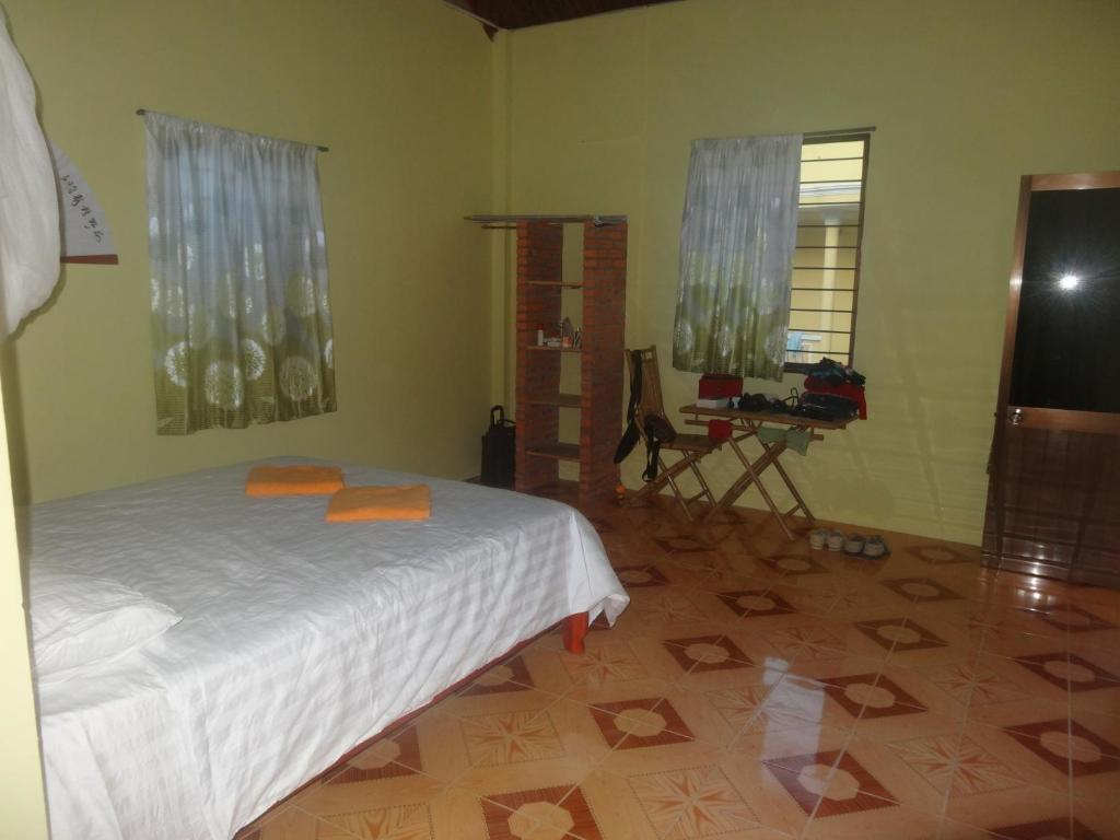 Kite Camp No Mad Hotel