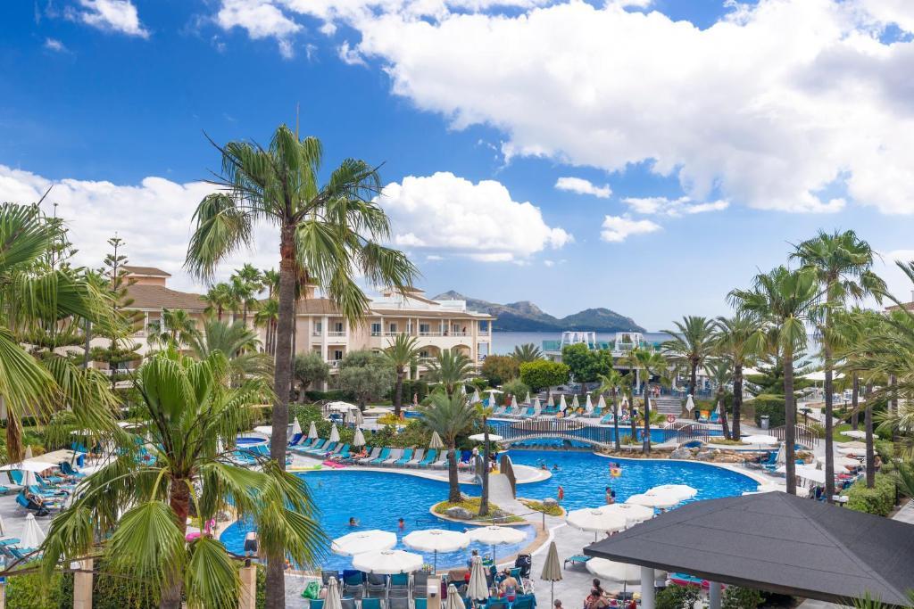 Het zwembad bij of vlak bij Playa Garden Selection Hotel & Spa