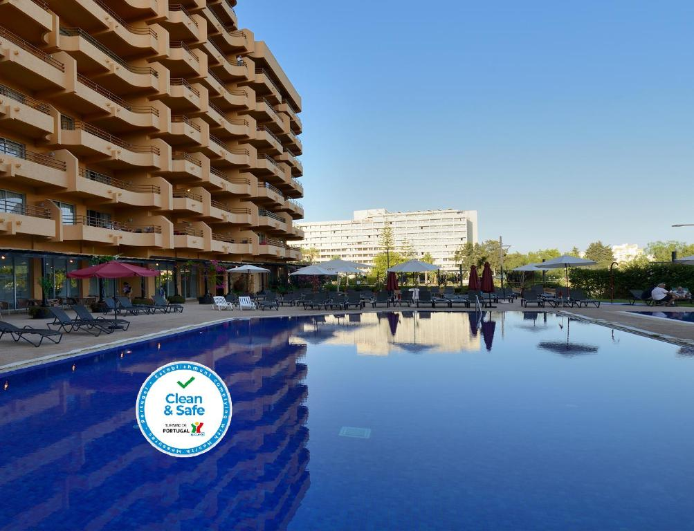 The swimming pool at or close to Dom Pedro Portobelo