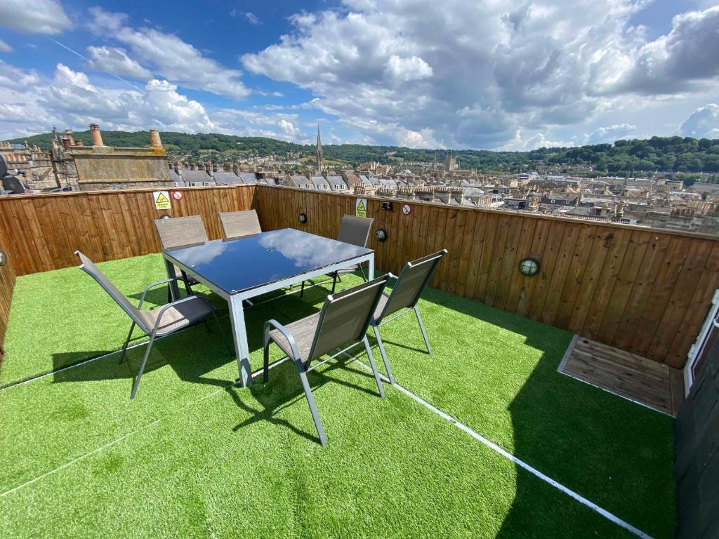 The Bath Roof Terrace Apartment in Bath, Somerset, England