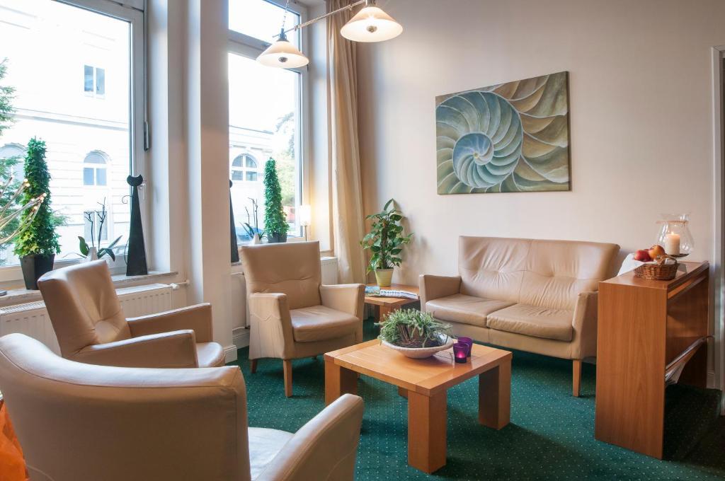 A seating area at Hotel Lindenhof