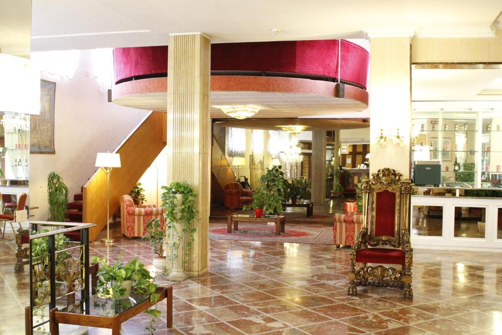 Лобі або стійка реєстрації в Grand Hotel Hermitage