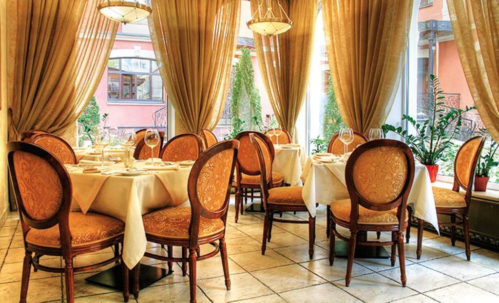 картинки шторы в ресторан