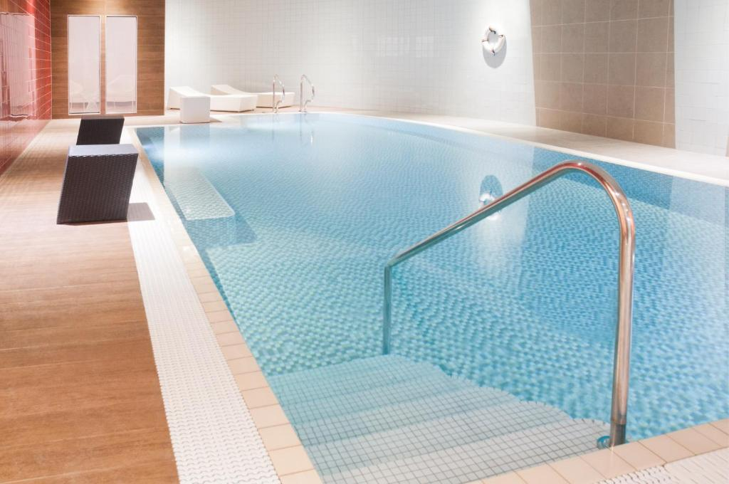 The swimming pool at or near Novotel Liverpool Centre