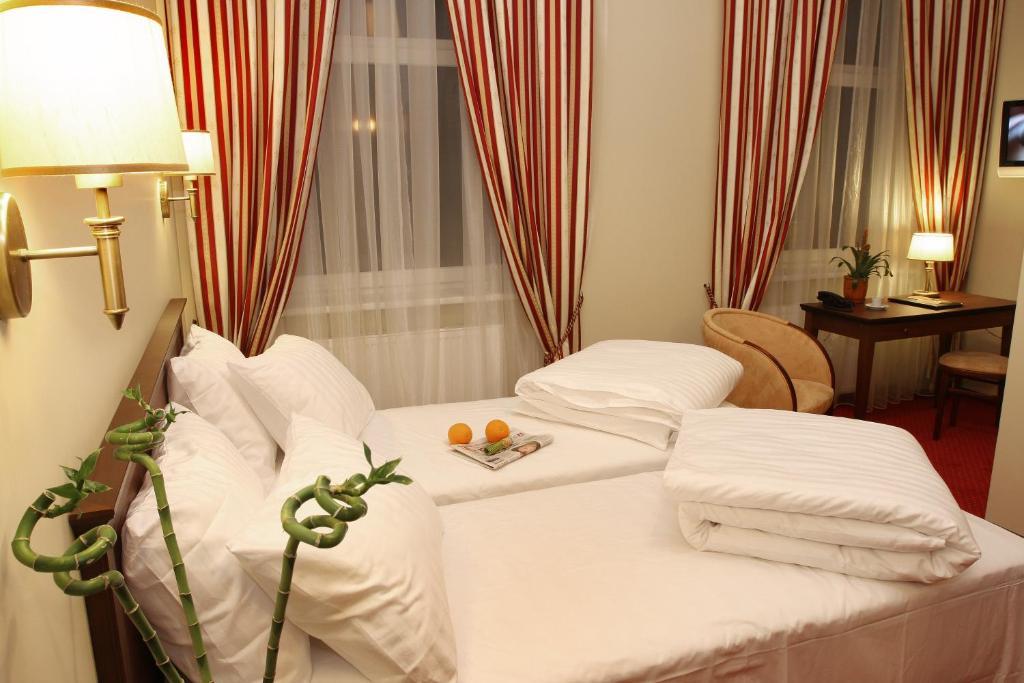 Lova arba lovos apgyvendinimo įstaigoje Conviva