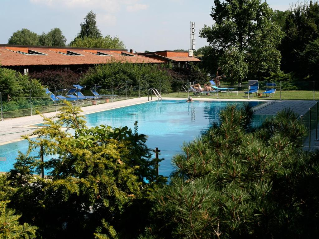 The swimming pool at or near Golf Hotel