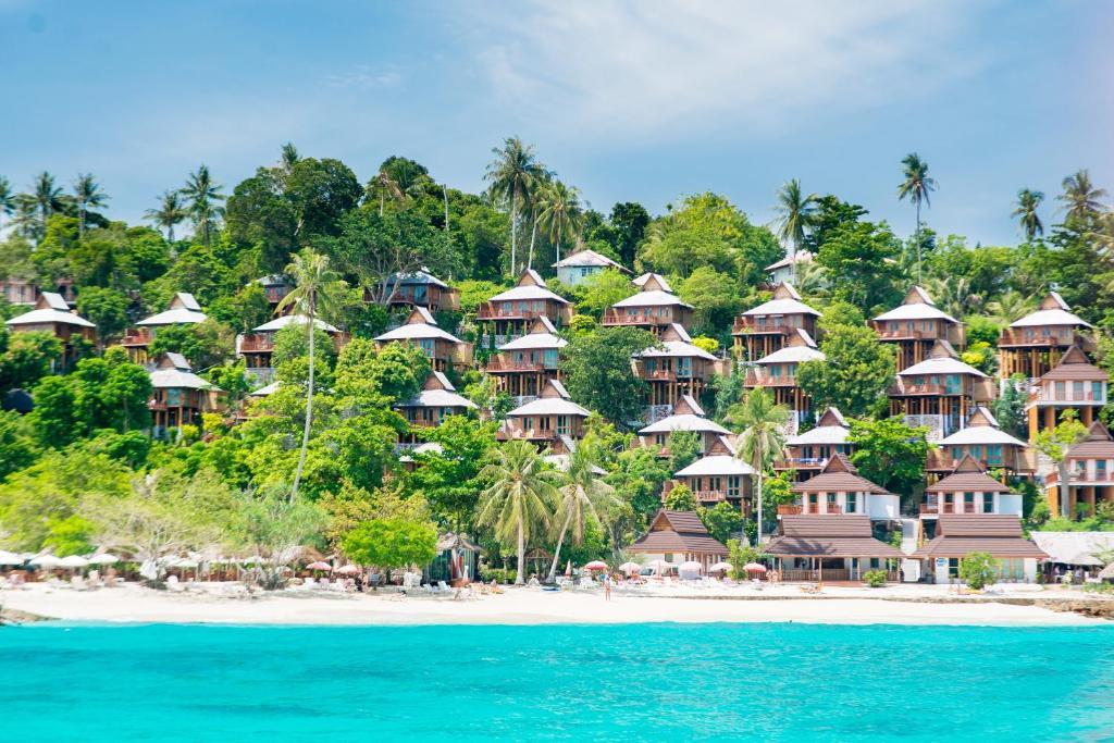 Piscine de l'établissement Phi Phi The Beach Resort ou située à proximité