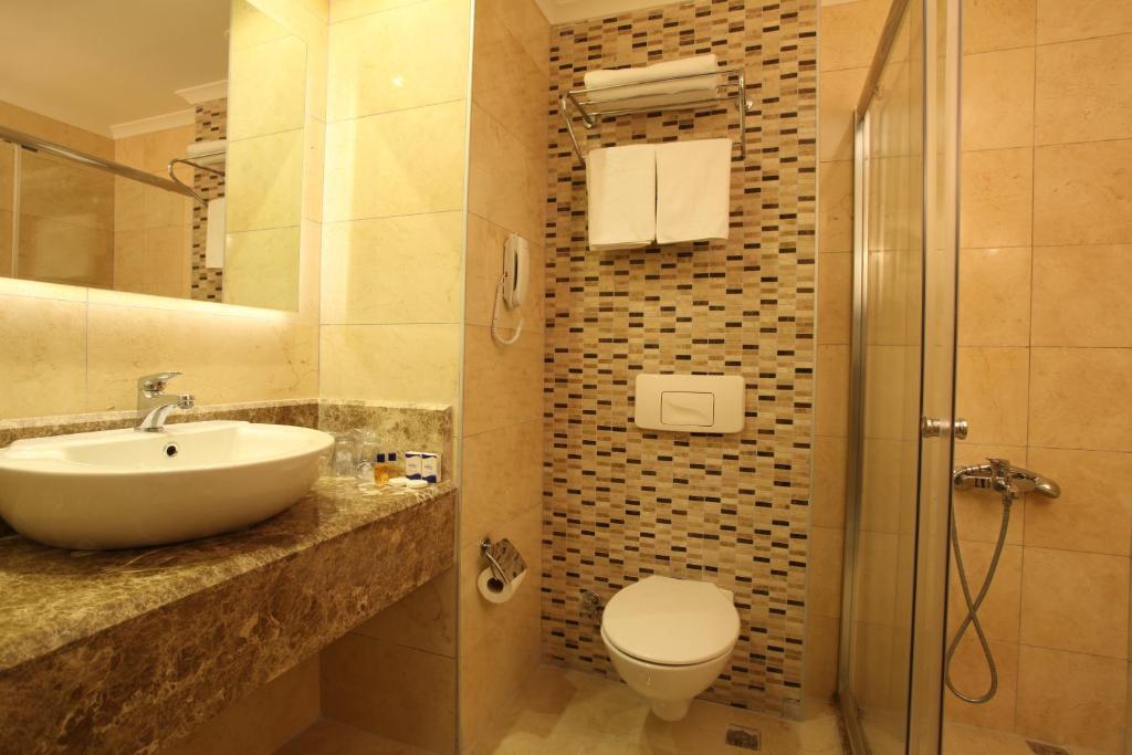 Ванная комната в Riviera Hotel & Spa