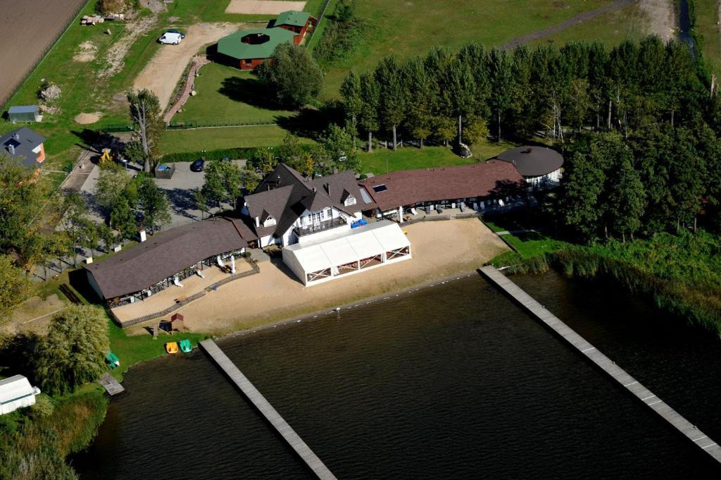 A bird's-eye view of Hotel Łazienki Chodzieskie
