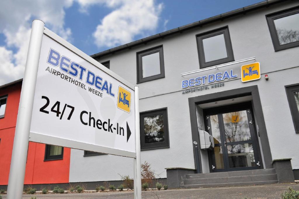 Best Deal Airporthotel Weeze Deutschland Weeze Booking Com