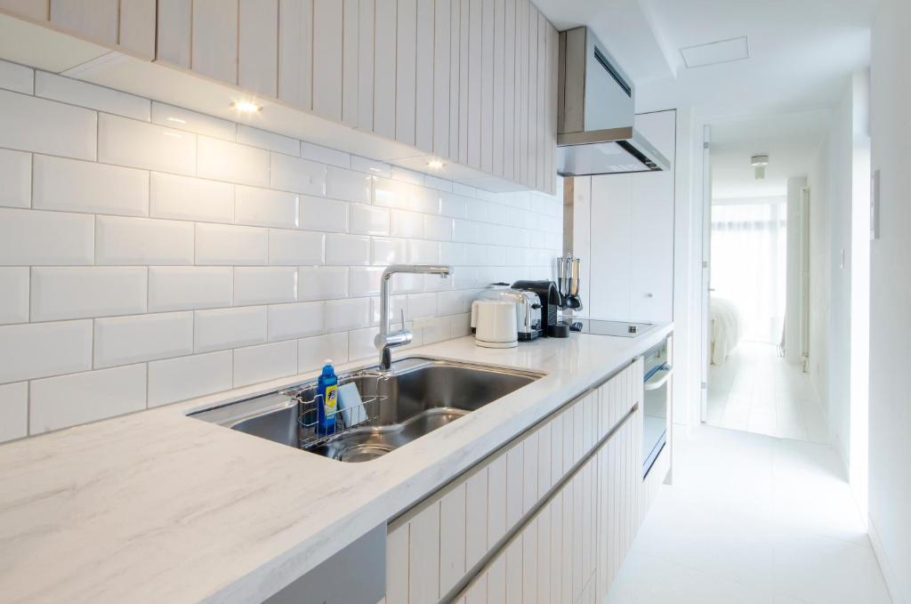 A kitchen or kitchenette at Loft Niseko