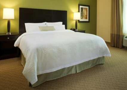A bed or beds in a room at Hampton Inn Philadelphia/Voorhees