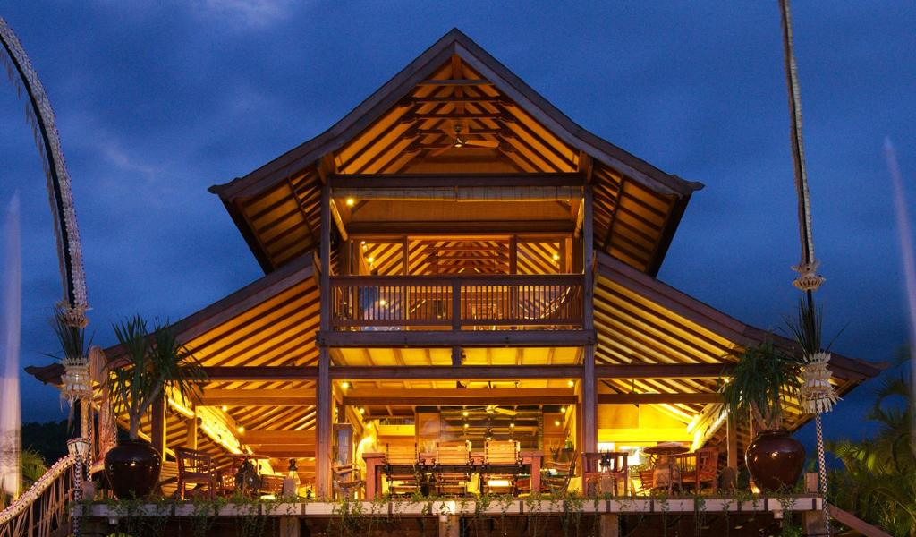 Het gebouw waarin het resort zich bevindt