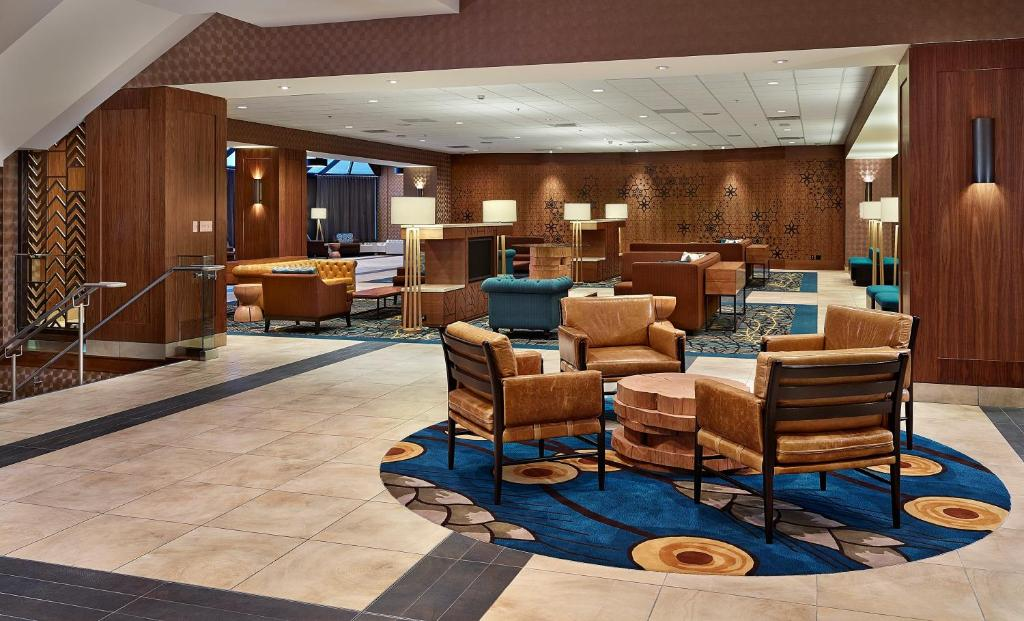 The lobby or reception area at DoubleTree by Hilton Hotel & Conference Centre Regina