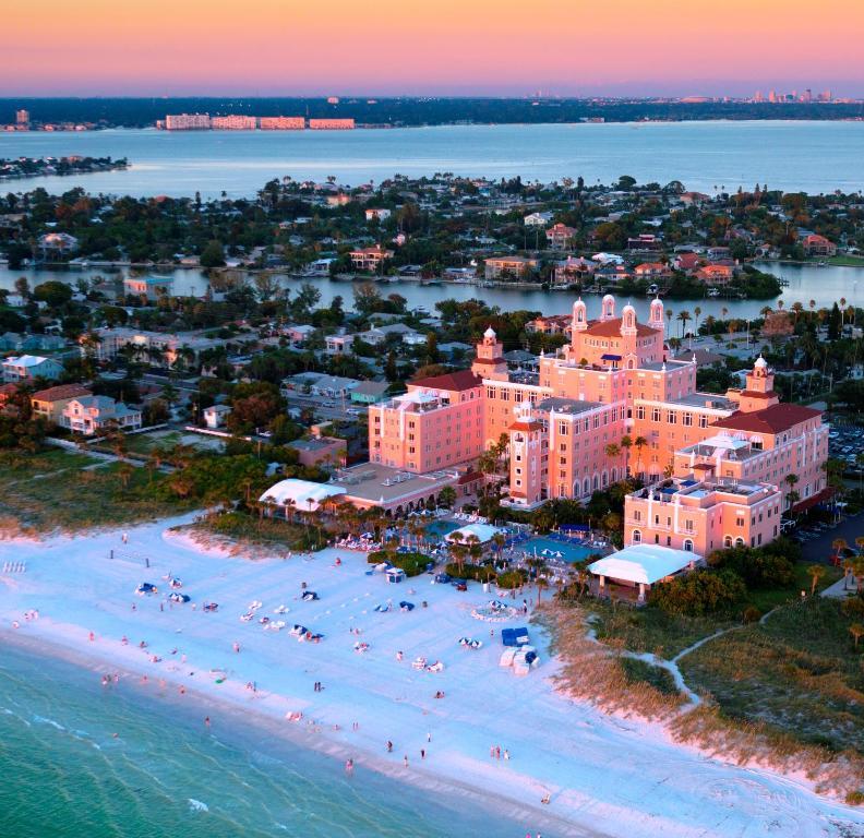 Hotel The Don Cesar St Pete Beach Fl
