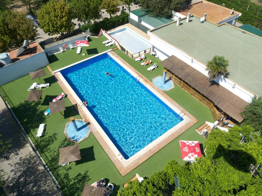 A view of the pool at Camping Coll Vert or nearby