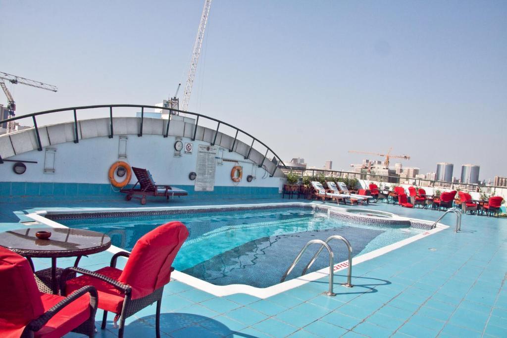 المسبح في فندق ريجنت بالاس أو بالجوار