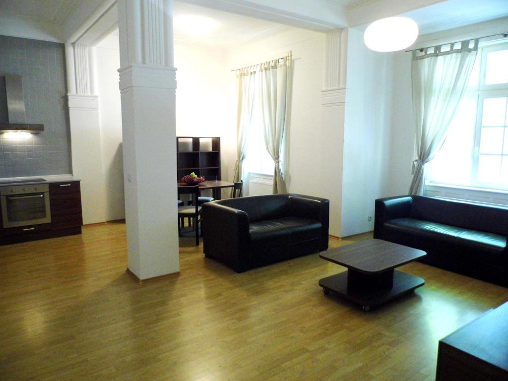 A seating area at Apartments Bratislava