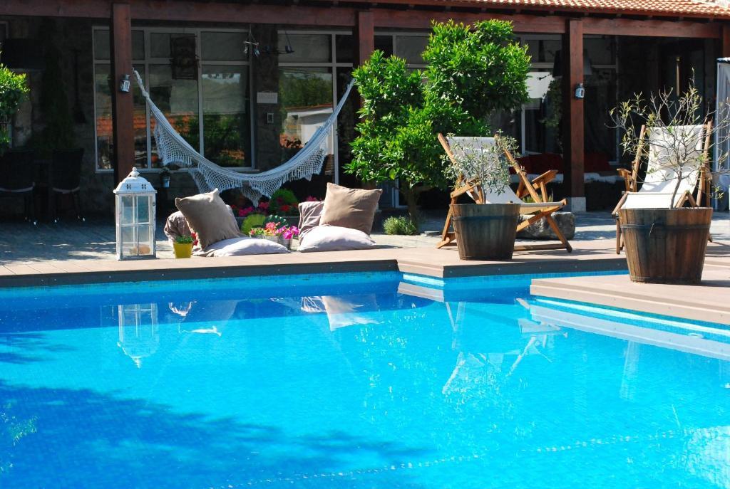 The swimming pool at or close to Casa Relogio de Sol