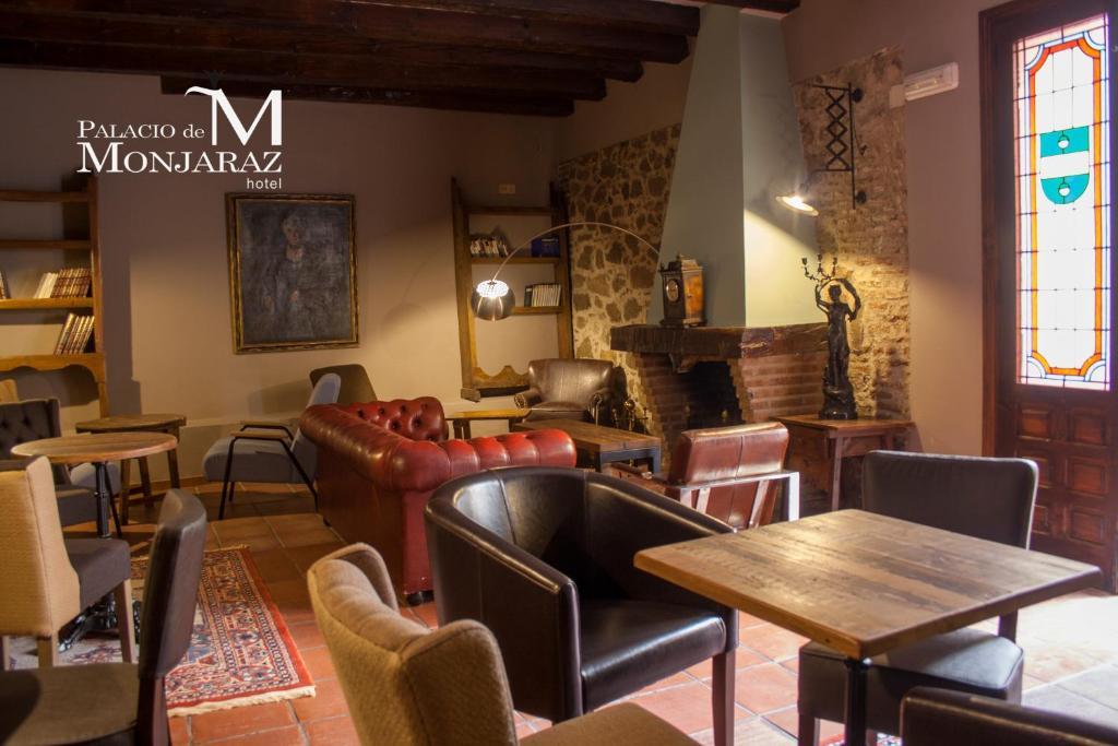 The lounge or bar area at Palacio de Monjaraz