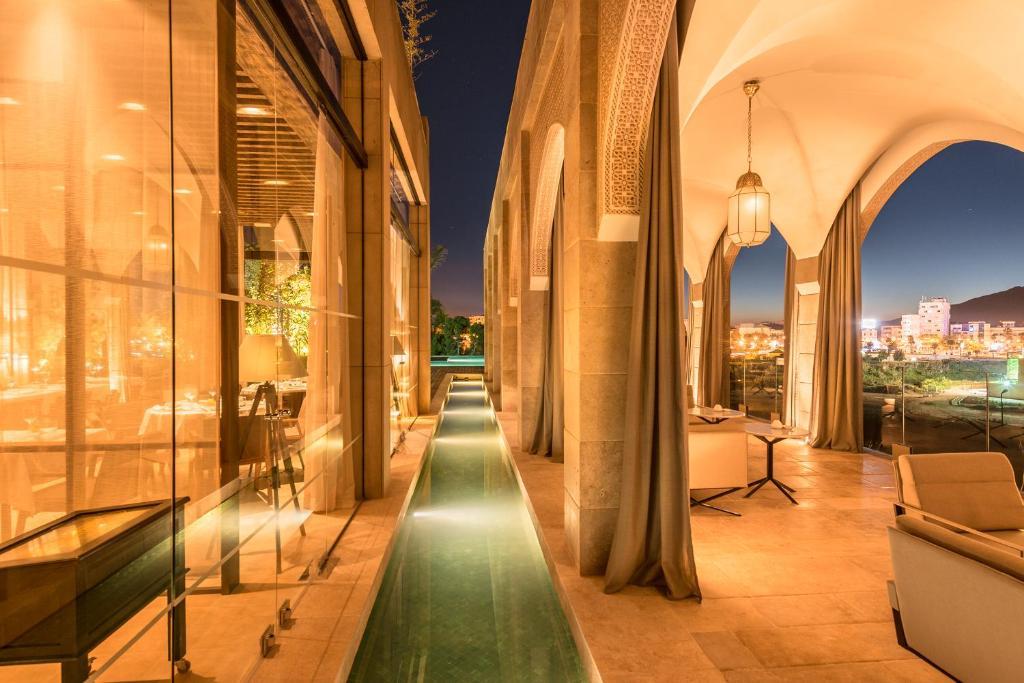 A balcony or terrace at Hotel Sahrai