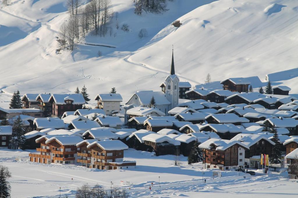 Hotel Nufenen during the winter