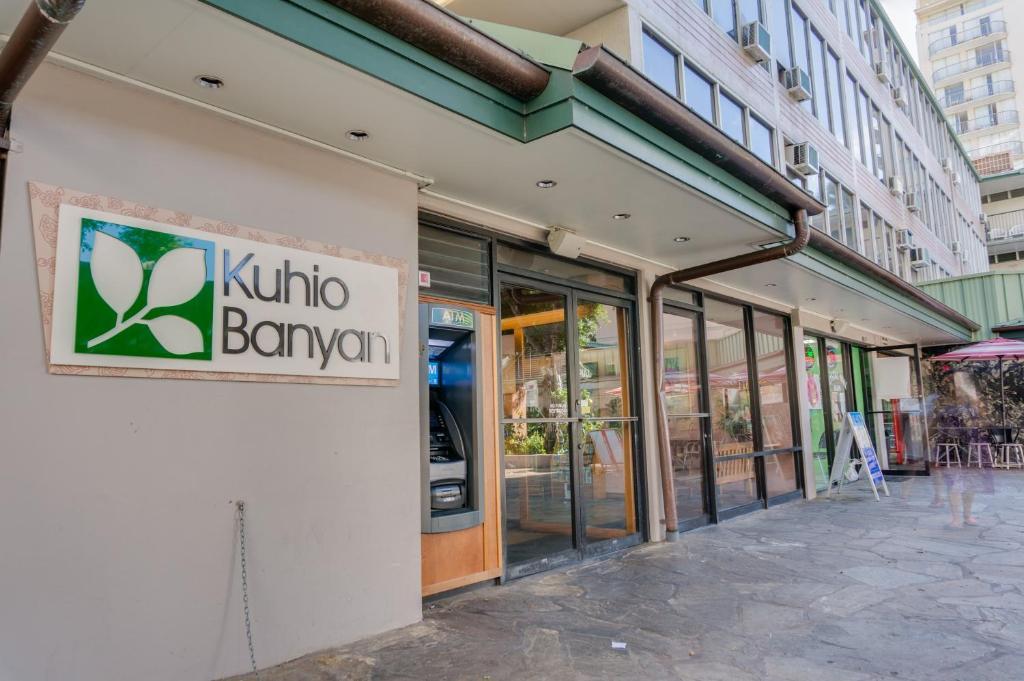 Kuhio Banyan Hotel