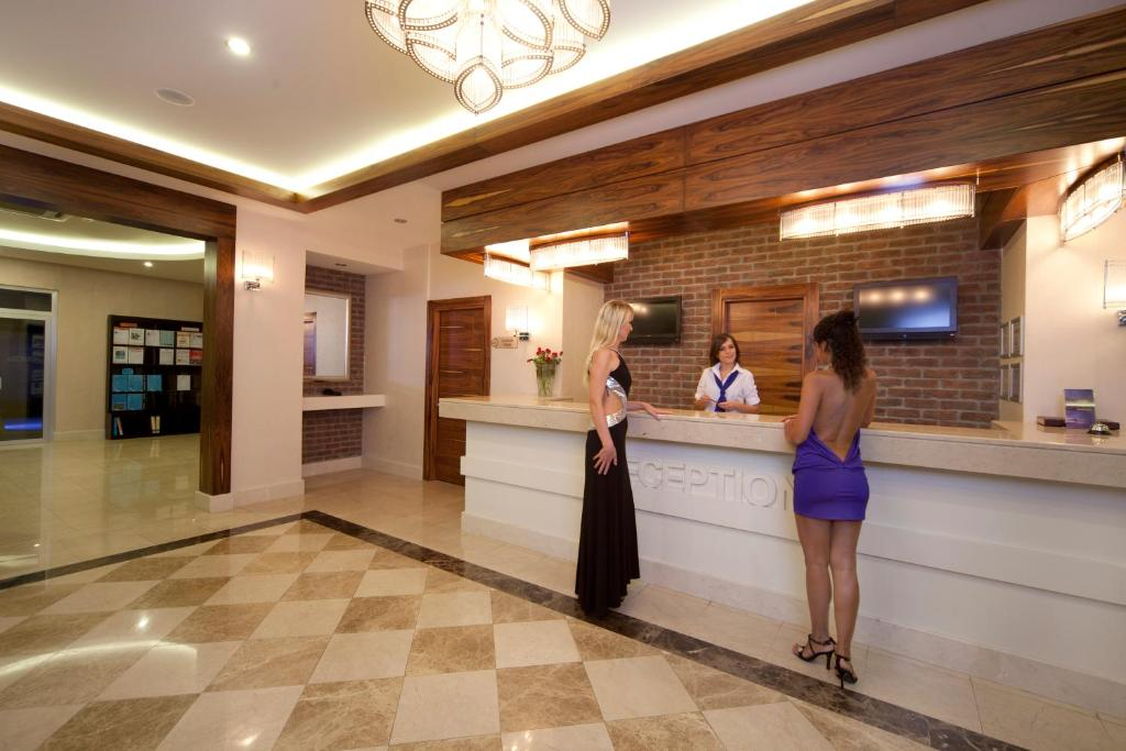 Лобби или стойка регистрации в Xperia Grand Bali Hotel - All Inclusive