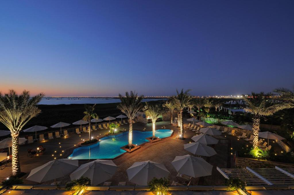 A view of the pool at Park Inn by Radisson Abu Dhabi Yas Island or nearby