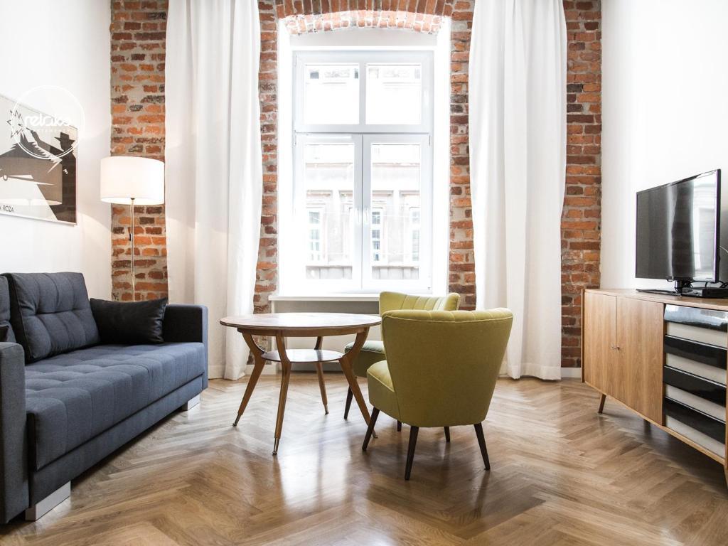 O zonă de relaxare la Relaks Apartamenty