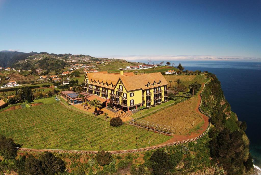 A bird's-eye view of Hotel Quinta Do Furao