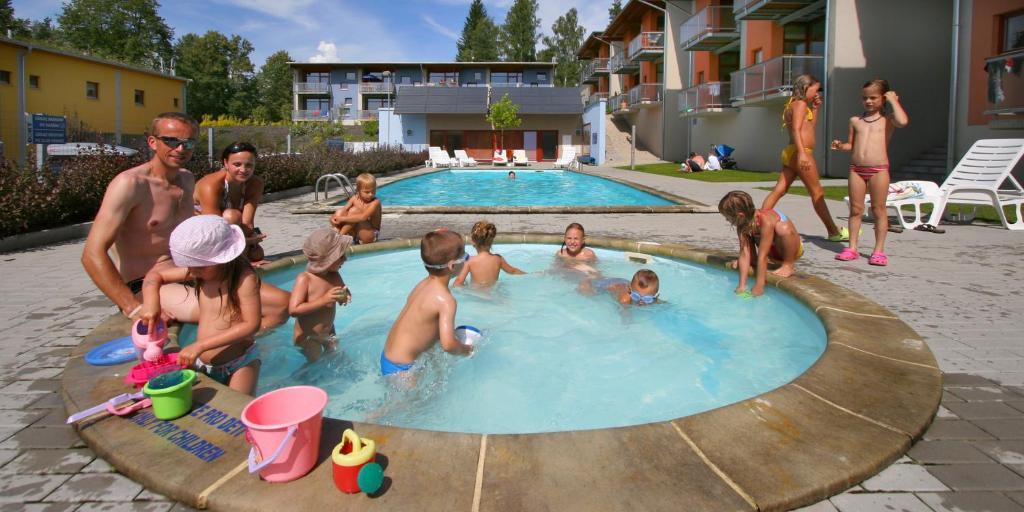 Bazén v ubytování Apartmány Doky Holiday nebo v jeho okolí