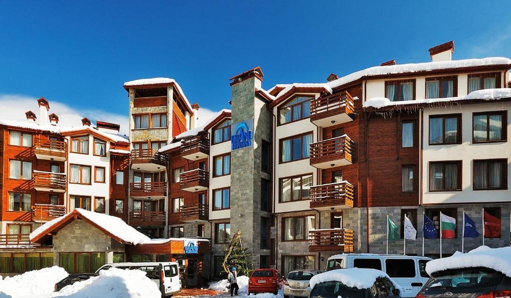 The surrounding neighborhood or a neighborhood close to the condo hotel