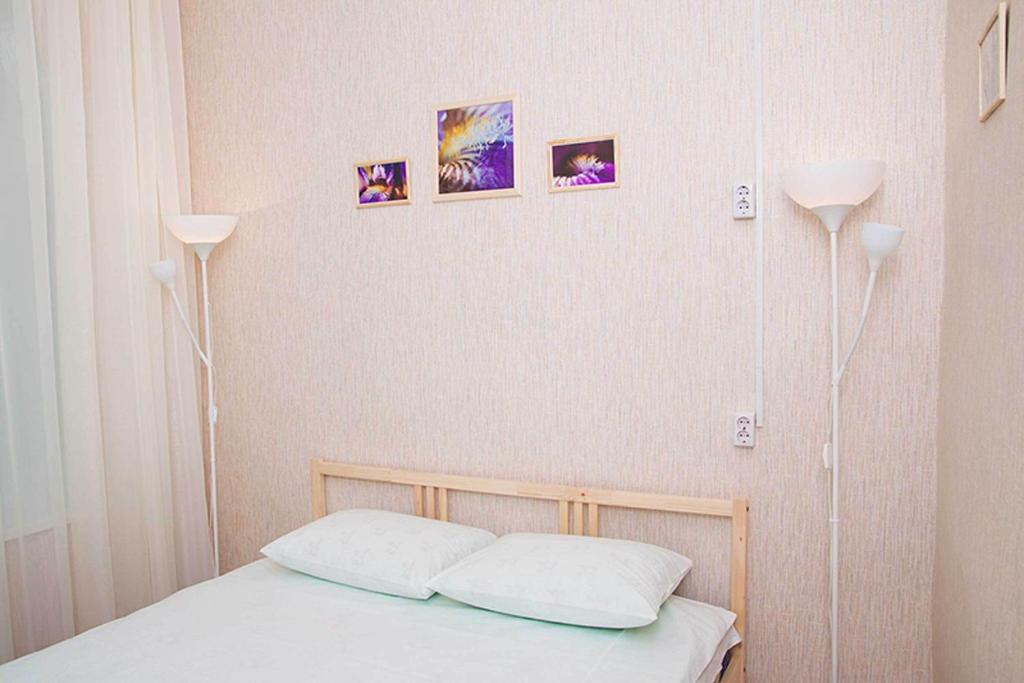 A bed or beds in a room at Hostel Yoshkin Kot