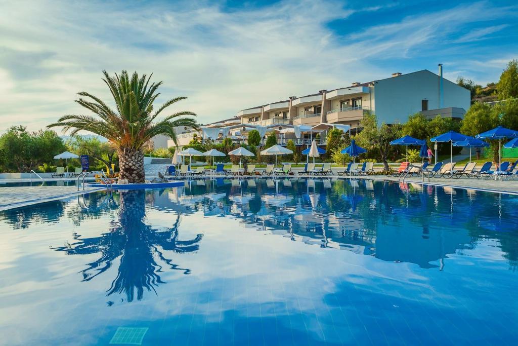 Πισίνα στο ή κοντά στο Xenios Anastasia Resort & Spa