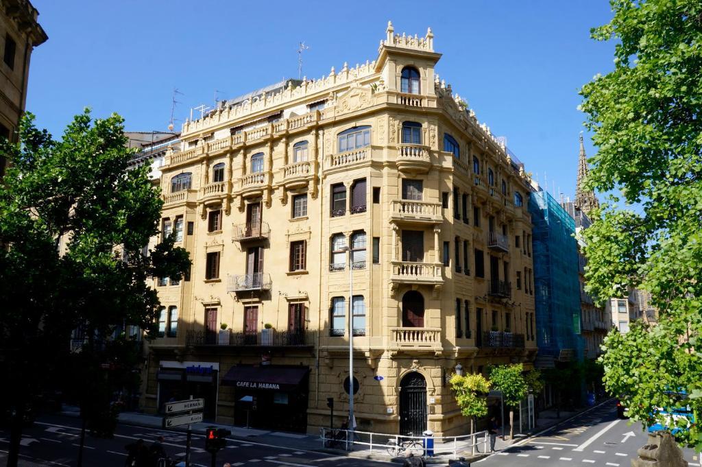 Pensión Loaldia (España San Sebastián) - Booking.com