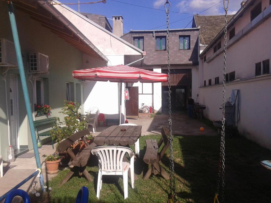 Hostel Zlatna Greda