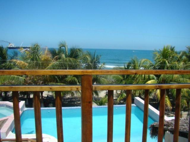 A view of the pool at Hotel y Restaurante Cesar Mariscos or nearby