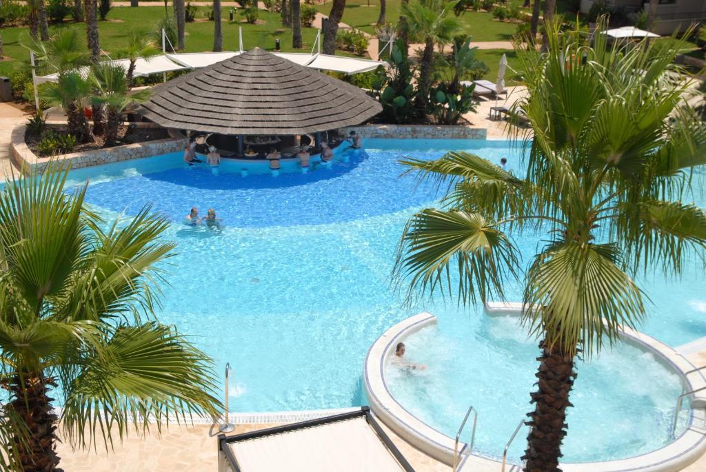 Het zwembad bij of vlak bij Protur Biomar Gran Hotel & Spa