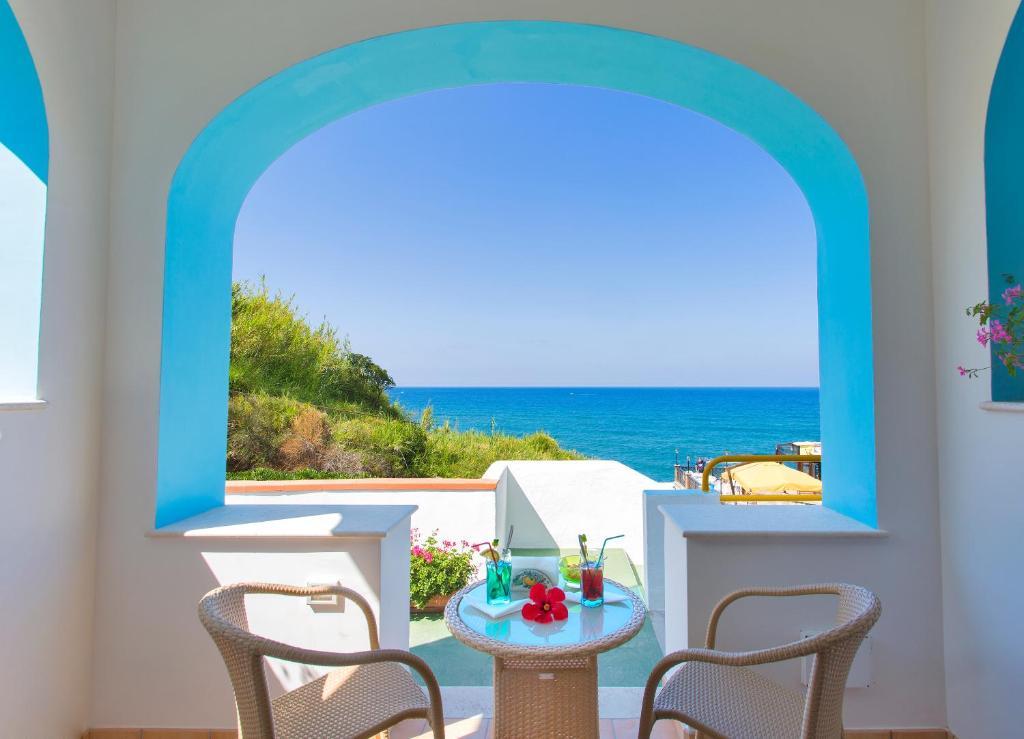 Балкон или терраса в Hotel Cava Dell'Isola