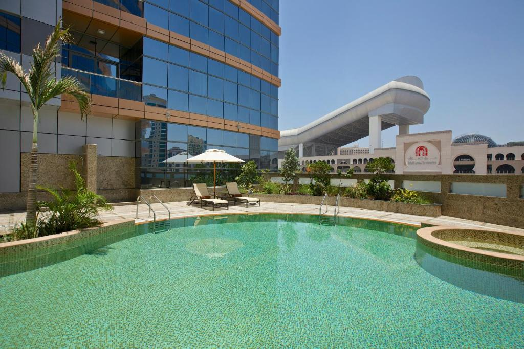 The swimming pool at or close to DoubleTree by Hilton Hotel and Residences Dubai – Al Barsha