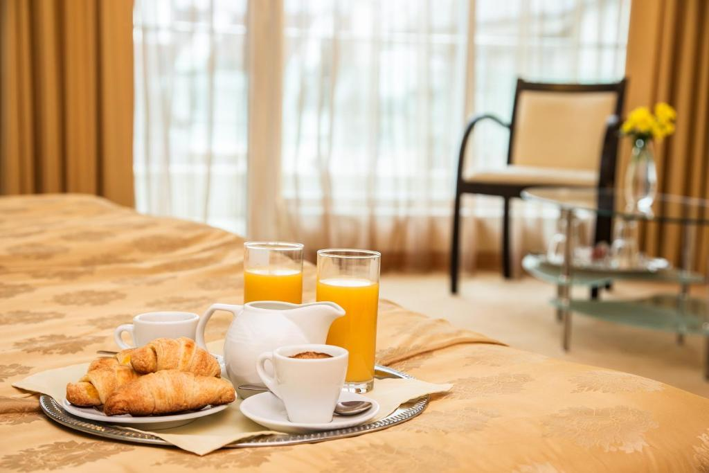 Breakfast options available to guests at Europe Hotel