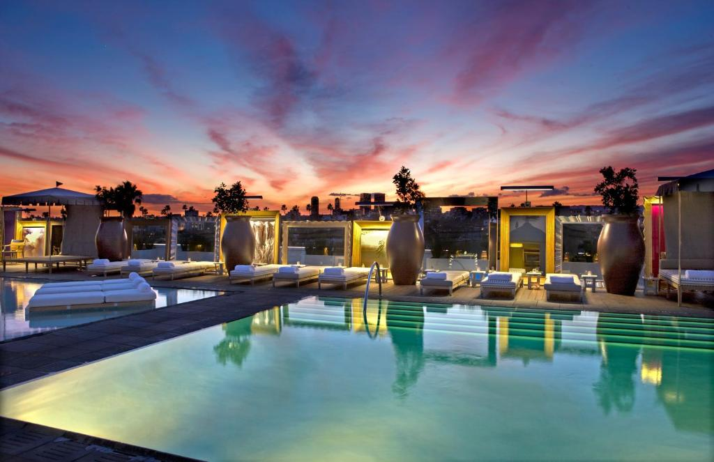 The swimming pool at or near SLS Hotel, a Luxury Collection Hotel, Beverly Hills
