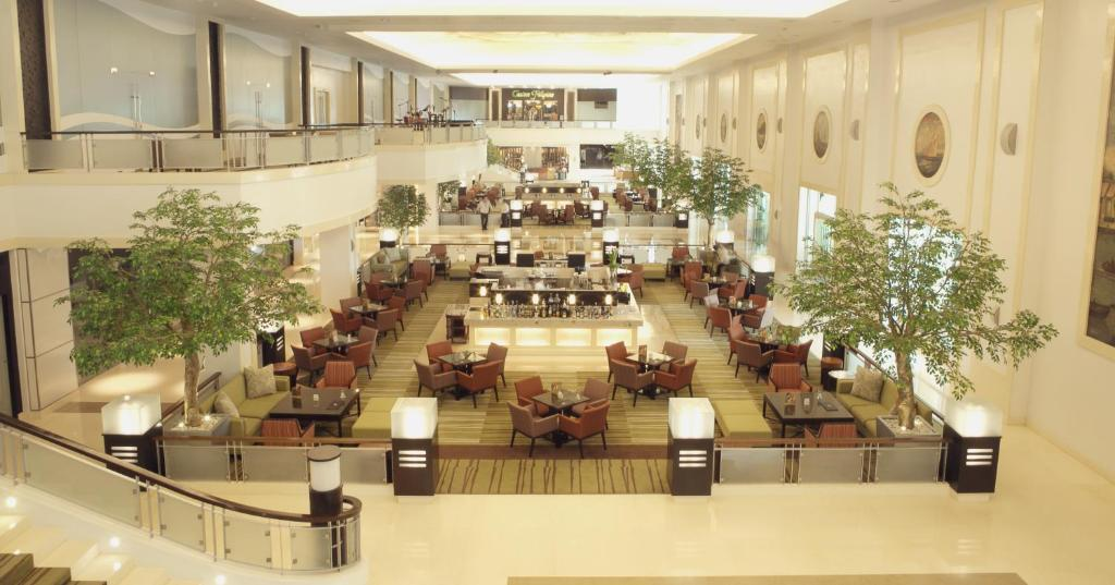 A restaurant or other place to eat at Waterfront Cebu City Hotel & Casino